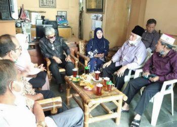 Suasana pertemuan Pasangan Asner-Susanti dengan pengurus PD DMI Kota Pematangsiantar, Rabu (21/10).