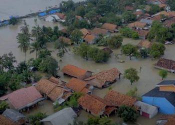 Banjir di kabupaten Karawang, Senin (22/2). (Foto: Dok. BNPB)