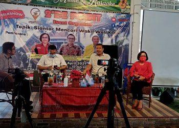 (Kiri ke Kanan) Tigor Munthe, Sanggam Siahaan, Pardamean Sihombing, dan Rospita Sitorus.